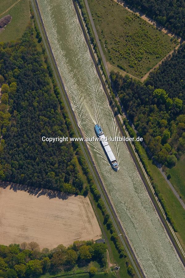 4415/Kanal:EUROPA, DEUTSCHLAND, NIEDERSACHSEN,  19.05.2005: Elbe Seitenkanal, Binnenschiff, Heide Suez, Tansport, Schifffahrtsweg, Luftbild