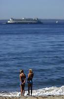 West Seattle, Washington USA   1 August, 2002.Ferry and kids at Alki Beach...F.Peirce Williams .photography.P.O.Box 455  Eaton,OH 45320 USA.p: 317.358.7326  e: fpwp@mac.com