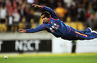 India's Rohit Sharma dives and misses as NZ's Brendon McCullum hits the winning run during 2nd Twenty20 cricket match match between New Zealand Black Caps and West Indies at Westpac Stadium, Wellington, New Zealand on Friday, 27 February 2009. Photo: Dave Lintott / lintottphoto.co.nz