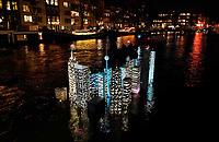 Nederland - Amsterdam- 2020  . Amsterdam Light Festival. Atlantis van Utskottet.    Foto Berlinda van Dam / Hollandse Hoogte