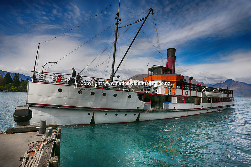 Earnslaw makes its way to the Lakefront in Queenstown, New Zealand, 25 Nov, 2014 credit: NINZ/Dianne Manson