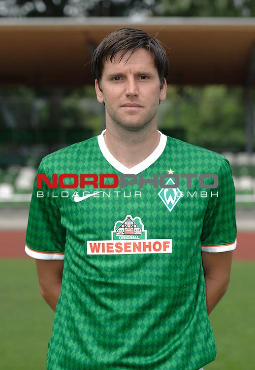 19.07.2013, Platz 11, Bremen, GER, RLN, Mannschaftsfoto Werder Bremen II, im Bild Florian Bruns (Bremen #8)<br /> <br /> Foto &copy; nph / Frisch