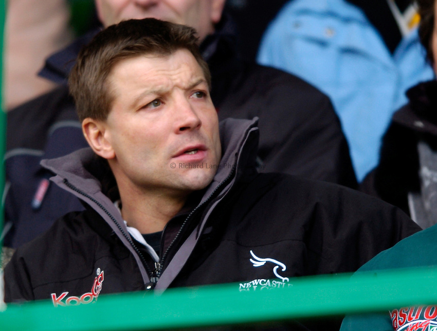 Photo: Richard Lane..Leicester Tiger v Newcastle Falcons. Zurich Premiership. 19/02/2005..Newcastle Director of Rugby, Rob Andrew.