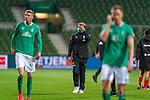 Enttaeuschung nach der Niederlage <br /> Nick Woltemade (werder Bremen #41)<br /> Florian Kohfeldt (Trainer SV Werder Bremen)<br /> <br /> <br /> Sport: Fussball: 1. Bundesliga: Saison 19/20: <br /> 26. Spieltag: SV Werder Bremen vs Bayer 04 Leverkusen, 18.05.2020<br /> <br /> Foto ©  gumzmedia / Nordphoto / Andreas Gumz / POOL <br /> <br /> Nur für journalistische Zwecke! Only for editorial use!<br />  DFL regulations prohibit any use of photographs as image sequences and/or quasi-video.