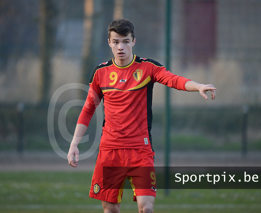 20140312 - MEULEBEKE , BELGIUM : Belgian Dennis Van Vaerenbergh pictured during a friendly soccer match between the Under16 soccerteams of Belgium and Slovakia , Wednesday 12 March 2014 in Meulebeke . PHOTO DAVID CATRY