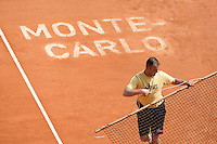 18-4-06, Monaco, Tennis,Master Series, court maintenance