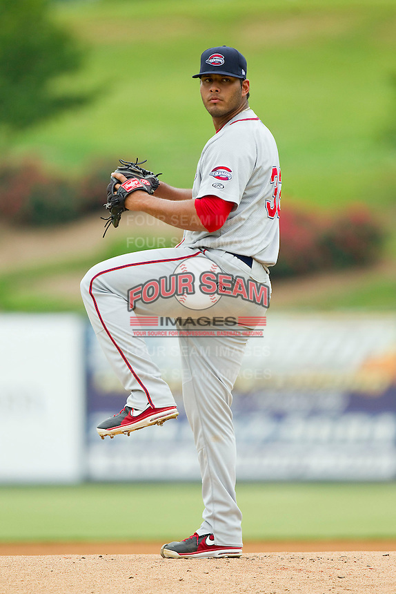 Greenville Drive starting pitcher Luis Diaz (32) in action against the Kannapolis Intimidators at CMC-Northeast Stadium on June 30, 2013 in Kannapolis, North Carolina.  The Drive defeated the Intimidators 3-0.   (Brian Westerholt/Four Seam Images)