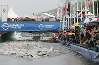 31 AUG 2007 - HAMBURG, GER - Under 23 Mens World Triathlon Championships. (PHOTO (C) NIGEL FARROW)