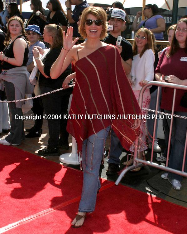 ©2004 KATHY HUTCHINS /HUTCHINS PHOTO.NBC & TELEMUDO STARS FAN FESTIVAL.UNIVERSAL CITYWALK.LOS ANGELES, CA.MARCH 20, 2004..DANA SPARKS