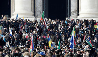Migranti lasciano la Basilica di San Pietro dopo aver assistito ad una Messa per la Giornata Mondiale del Migrante e del Rifugiato. Citt&agrave; del Vaticano, 14 gennaio 2018.<br /> Migrants leave Saint Peter's Basilica after attending a special mass to mark  the World day of Migrants and Refugees. Vatican, on January 14, 2018.<br /> UPDATE IMAGES PRESS/Isabella Bonotto<br /> <br /> STRICTLY ONLY FOR EDITORIAL USE