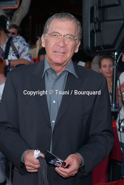"Sidney Pollack arriving at the premiere of ""K-19: The Widowmaker"" at the Westwood Theatre in Los Angeles. July 15, 2002.           -            PollackSidney02.jpg"