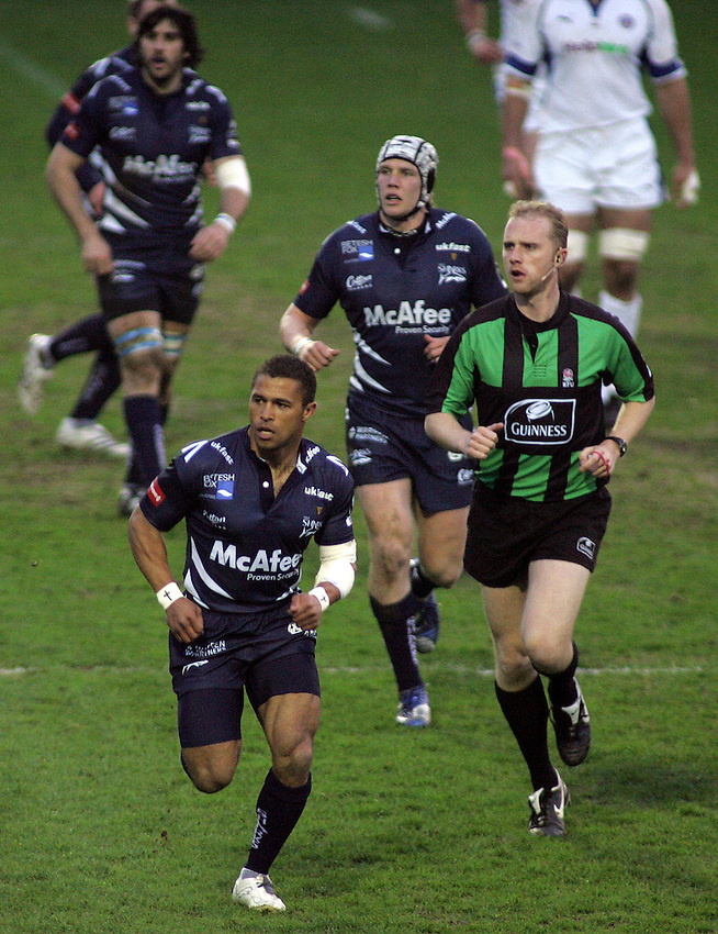 Photo: Paul Thomas..Sale Sharks v Bath Rugby. Guinness Premiership. 13/04/2007...Jason Robinson of Sale in action during his last ever home game.