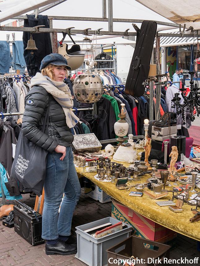 Flohmarkt Waterlooplein, Amsterdam, Provinz Nordholland, Niederlande<br /> flea market at Waterooplein, Amsterdam, Province North Holland, Netherlands