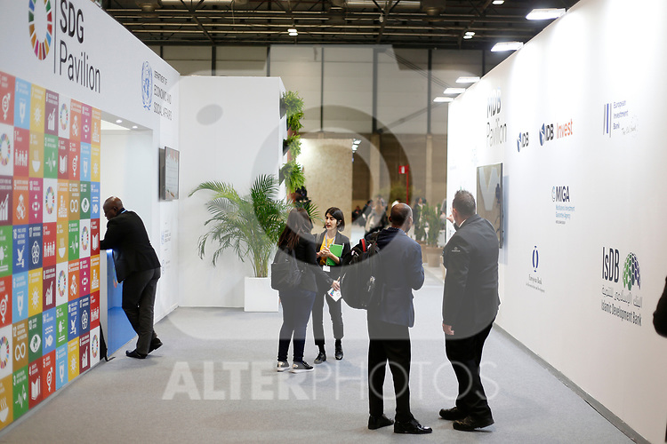 Members of COP25 talks during the seconda day of COP25 at the 'IFEMA - Feria de Madrid' exhibition centre, in Madrid, on December 3, 2019. (ALTERPHOTOS/Manu R.B.)