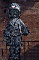 """Europe/Pologne/Varsovie: Statue """"Le Petit Insurgé"""" symbole de l'inssurection de Varsovie"""