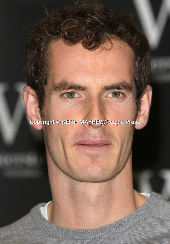 Andy Murray signs his book 'Seventy-Seven: My Road To Wimbledon Glory' at Waterstones, Piccadilly on November 6th 2013<br />