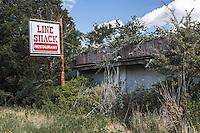 "Abandoned ""Line Shack"" restaurant in Pettibone, TX"