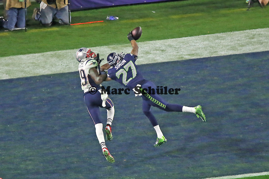 Tharold Simon (Seahawks, 27) wehrt den Pass auf WR Brandon LaFell (Patriots, 19) ab - Super Bowl XLIX, Seattle Seahawks vs. New England Patriots, University of Phoenix Stadium, Phoenix