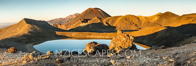 Sunrise over Blue Lake and Mount Ngaruhoe, Tongariro National Park, Central Plateau, North Island, UNESCO World Heritage Area, New Zealand, NZ