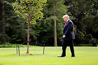 United States President Donald J. Trump departs the South Lawn of the White House, Washington, DC, October 10, 2018, to attend a Make America Great Again rally in Erie, Pennsylvania.<br /> <br /> CAP/MPI/RS<br /> &copy;RS/MPI/Capital Pictures