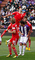 Sevilla´s Negredo jumps for the ball during La Liga match. March 28, 2010. (ALTERPHOTOS/Víctor J Blanco)