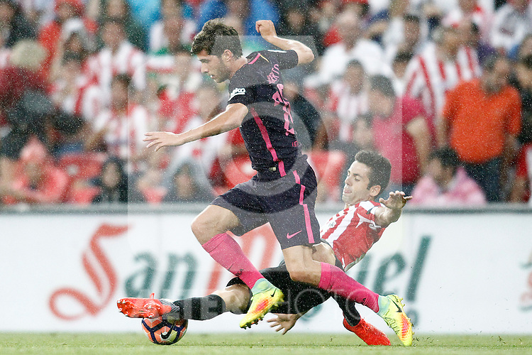 Athletic de Bilbao's Markel Susaeta (r) and FC Barcelona's Sergi Roberto during La Liga match. August 28,2016. (ALTERPHOTOS/Acero)