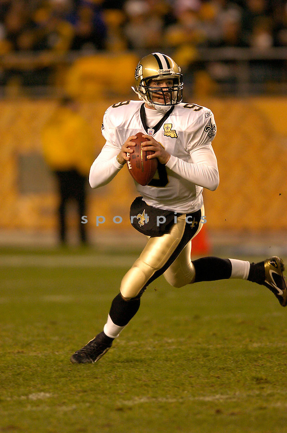 DREW BREES, of the New Orleans Saints, in action against the Pittsburgh Steeler on November 12, 2006, in Pittsburgh, PA. ..Steelers win 38-31..Chris Bernacchi / SportPics