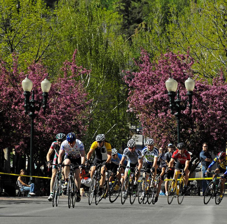 Criterium in downtown Aspen, CO.