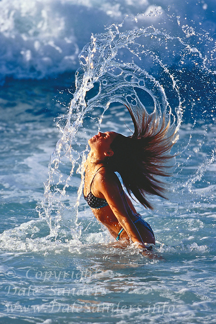 700-21532.© Dale Sanders.Woman in Water / Surf, Hawaii, USA Model release