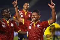 BARRANQUILLA  -COLOMBIA, 2-FEBRERO-2015.Jorge Ramos jugador de Uniautonoma celebra su gol contra  Alianza Petrolera durante partido por la fecha 1 de la Liga aguila I 2015 jugado en el estadio Metropolitano  de la ciudad de Barranquilla./ Jorge Ramos player of Uniautonoma celebrates his goal against Alianza Petrolera during the match for the first date of the Aguila League I 2015 played at Metropolitano  stadium in Barranquilla city<br />