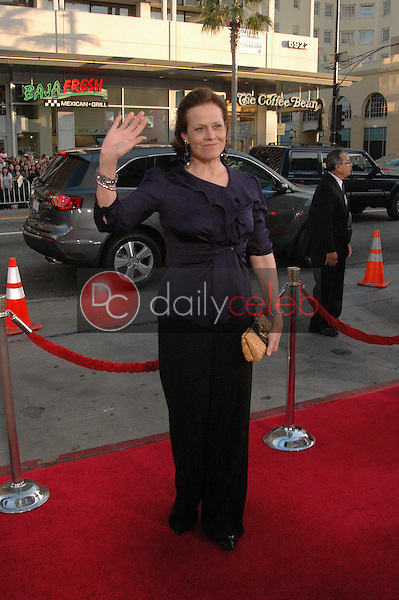 Sigourney Weaver<br />