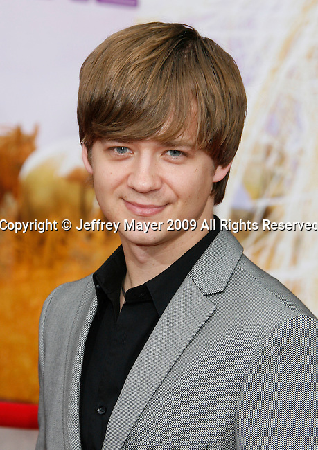 """HOLLYWOOD, CA. - April 02: Jason Earles arrives at the premiere of Walt Disney Picture's """"Hannah Montana: The Movie"""" held at the El Captian Theatre on April 2, 2009 in Hollywood, California."""