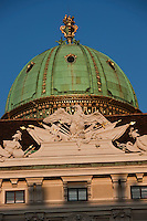 Europe/Autriche/Niederösterreich/Vienne: Dôme de la Michaelerkuppel, cour In der Burg