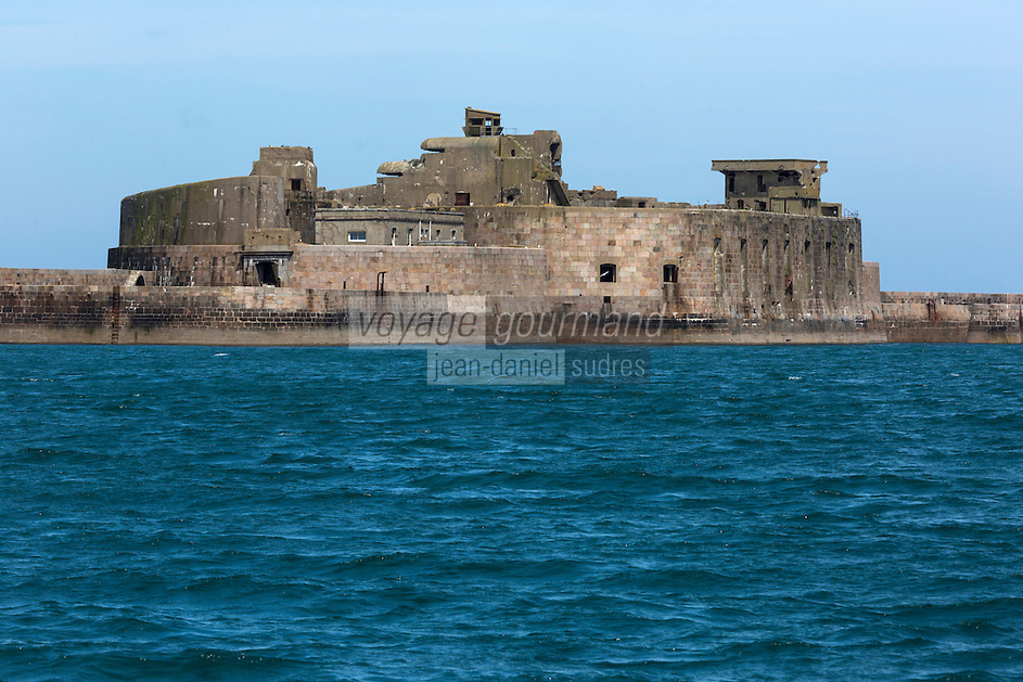 France, Manche (50), Cotentin, Cherbourg, rade de Cherbourg, le Fort Central   // France, Manche, Cotentin, Cherbourg, Cherbourg Harbour (French rade de Cherbourg; literally, the roadstead of Cherbourg, Central Fort