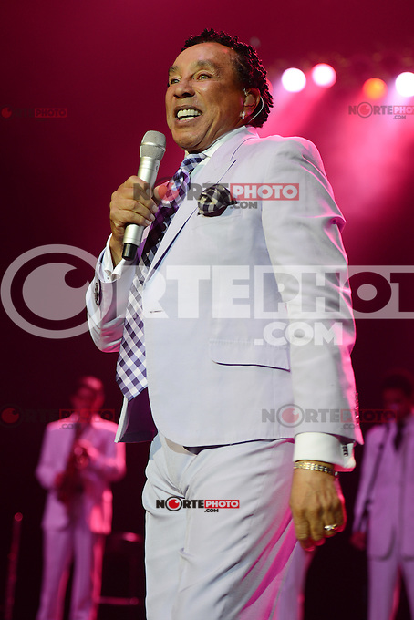 HOLLYWOOD FL - JANUARY 12 : Smokey Robinson performs at Hard Rock live held at the Seminole Hard Rock hotel & Casino on January 12, 2013 in Hollywood, Florida.  Credit: mpi04/MediaPunch Inc. /NortePhoto /NortePhoto /NortePhoto /NortePhoto