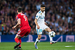Marco Asensio Willemsen (R) of Real Madrid runs past Robert Lewandowski of FC Bayern Munich during the UEFA Champions League Semi-final 2nd leg match between Real Madrid and Bayern Munich at the Estadio Santiago Bernabeu on May 01 2018 in Madrid, Spain. Photo by Diego Souto / Power Sport Images