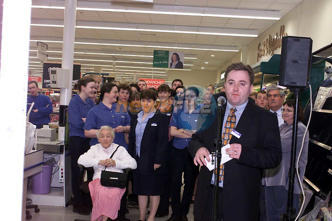 Brendan Doyle Manager tesco Drogheda speaking at the opening.Picture Fran Caffrey Newsfile