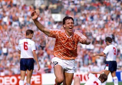 15.06.1988 Marco van Basten (Holland) celebrates scoring against England during the European Championships.