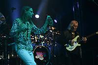 PORTO ALEGRE, RS, BRASIL, 26-05-2013: SHOW YES - A banda inglesa Yes tocou na capital gaúcha e lotou o teatro Araújo Vianna. O grupo tocou músicas da fase inicial da banda, do final dos anos 60. O Yes veio com Steve Howe (guitarra), Chris Squire (baixo) e Alan White da formação clássica da banda. O grupo ainda contou com Jon Davison nos vocais e o tecladista Geoff Downes. FOTO: BRUNO MAESTRINI - BRAZIL PHOTO PRESS.