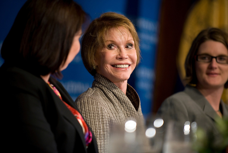 Mary Tyler Moore, international chairman of the Juvenile Diabetes Research Foundation spoke at a National Press Club Newsmaker Luncheon on finding a cure for diabetes, May 28, 2009.