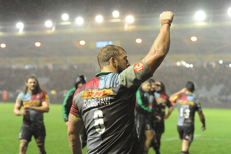 Chris Robshaw of Harlequins thanks the fans at the end of the Premiership Rugby match between Harlequins and Saracens - 09/01/2016 - Twickenham Stoop, London<br /> Mandatory Credit: Rob Munro/Stewart Communications