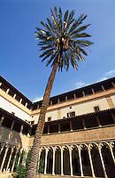 spätgotischer Kreuzgang des Klosters Sant Francesc in Palma de Mallorca  , Mallorca, Spanien