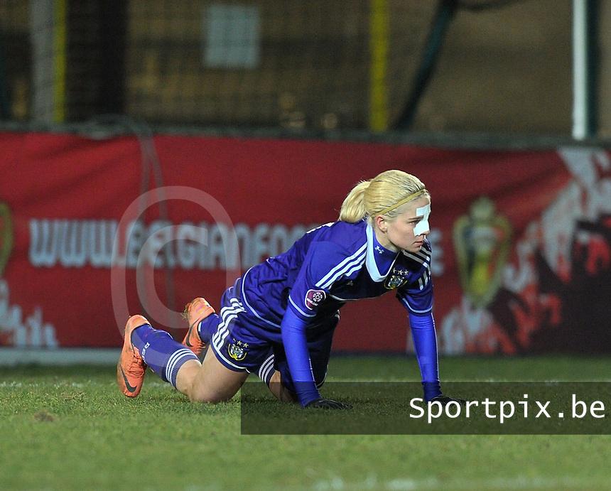 Waasland Beveren Sinaai Girls - RSC Anderlecht : Stephanie Van Gils scoorde de 0-3 voor Anderlecht.foto DAVID CATRY / Nikonpro.be