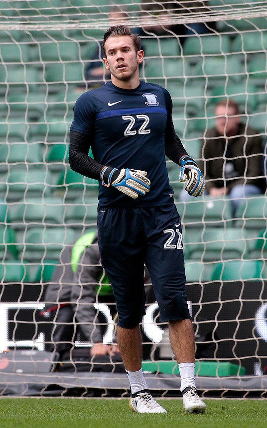 Preston North End's Chris Maxwell during the pre-match warm-up <br /> <br /> Photographer David Shipman/CameraSport<br /> <br /> The EFL Sky Bet Championship - Norwich City v Preston North End - Saturday 22nd October 2016 - Carrow Road - Norwich<br /> <br /> World Copyright &copy; 2016 CameraSport. All rights reserved. 43 Linden Ave. Countesthorpe. Leicester. England. LE8 5PG - Tel: +44 (0) 116 277 4147 - admin@camerasport.com - www.camerasport.com