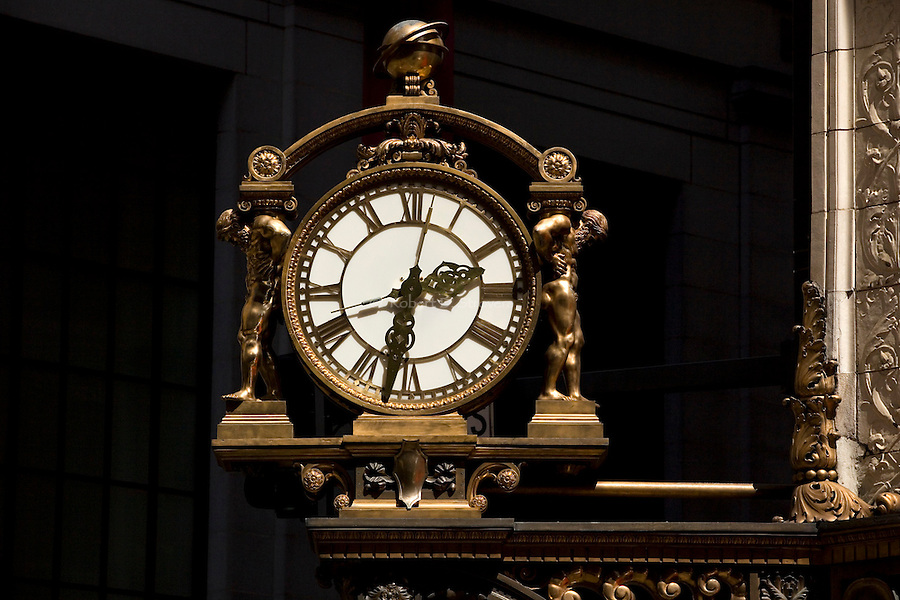 Kaufmann's clock - downtown Pittsburgh