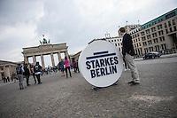 Praesentation der CDU-Kampagne fuer die Abgeordnetenhauswahl am 18. September 2016 in Berlin.<br /> Der CDU-Landesvorsitzende Frank Henkel stellte am Mittwoch den 6. April 2016 zusammen mit dem<br /> Wahlkampfleiter Kai Wegner und dem<br /> Kampagnenmanager Thomas Heilmann die Kampagne der Berliner CDU zur Abgeordnetenhauswahl vor. Konkrete Plakate mit Fotomotiven konnten nur eingeschraenkt gezeigt werden, da die CDU die Nutzungsrechte nicht erworben hat. So wurden den Journalisten nur Plakatideen und das Logo der Kampagne praesentiert.<br /> Im Bild: Das Wahlkampflogo vor dem Brandenburger Tor.<br /> 6.4.2016, Berlin<br /> Copyright: Christian-Ditsch.de<br /> [Inhaltsveraendernde Manipulation des Fotos nur nach ausdruecklicher Genehmigung des Fotografen. Vereinbarungen ueber Abtretung von Persoenlichkeitsrechten/Model Release der abgebildeten Person/Personen liegen nicht vor. NO MODEL RELEASE! Nur fuer Redaktionelle Zwecke. Don't publish without copyright Christian-Ditsch.de, Veroeffentlichung nur mit Fotografennennung, sowie gegen Honorar, MwSt. und Beleg. Konto: I N G - D i B a, IBAN DE58500105175400192269, BIC INGDDEFFXXX, Kontakt: post@christian-ditsch.de<br /> Bei der Bearbeitung der Dateiinformationen darf die Urheberkennzeichnung in den EXIF- und  IPTC-Daten nicht entfernt werden, diese sind in digitalen Medien nach §95c UrhG rechtlich geschuetzt. Der Urhebervermerk wird gemaess §13 UrhG verlangt.]