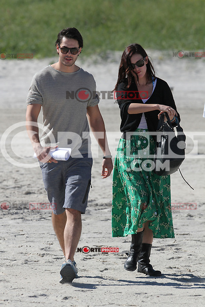 November  08 2012: .Singer Rumer Willis and her boyfriend Jayson Blair spend the day on the sunny beaches of Miami, Florida.Non Exclusive.Mandatory <br /> (Credit: KDNPIX/NortePhoto)