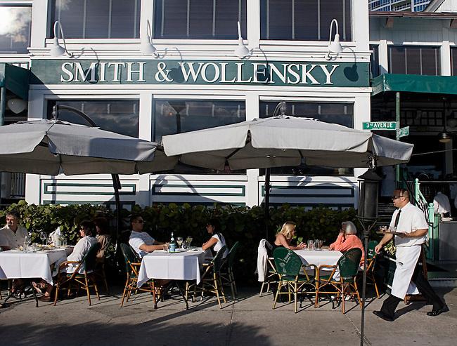 Smith & Wollensky Restaurant, South Beach, Miami, Florida