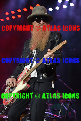 WEST PALM BEACH, FL - MAY 8: Billy Gibbons of ZZ Top performs at The Coral Sky Amphitheater on May 8, 2015 in West Palm Beach Florida. Credit Larry Marano © 2015
