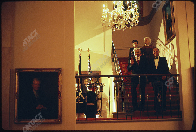 White House State dinner arrival of Russian president  Boris Yeltsin and his wife Naina, greeted by U.S. president George Bush and first lady Barbara. Washington, D.C., June, 1992